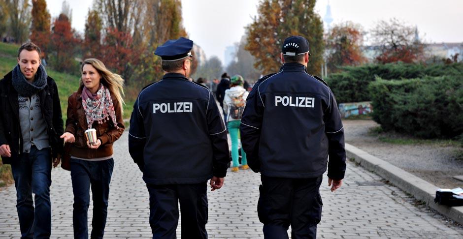 mauerpark polizei plant mit prenzlauer berg nachrichten. Black Bedroom Furniture Sets. Home Design Ideas