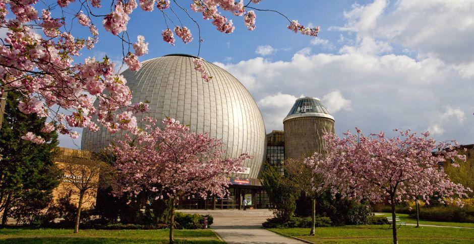 Planetarium Frühling