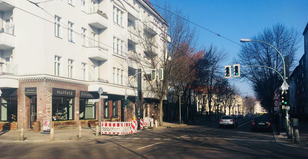 Das vermutlich letzte PBN-Bild einer baumbestandenen Stahlheimer Straße (Foto: Constanze Nauhaus)