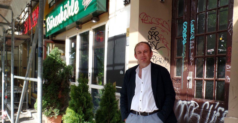 Andreas Geil lebt seit knapp drei Jahren in dem Haus (Foto: Kristina Auer)
