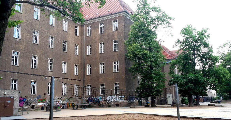 Schule Falkplatz Schulplatz