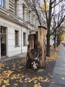 Bücherbaum in Prenzlauer Berg (Foto: Victoria Scherff)