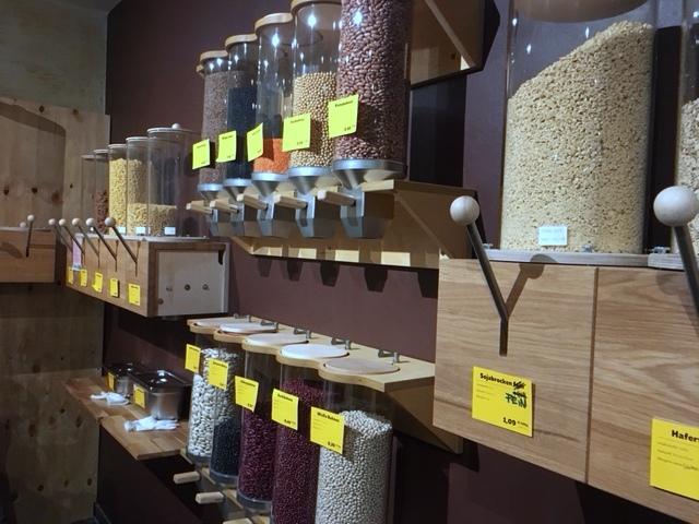 Getreide, Reise, Bohnen, Nudeln: einfach selbst abzapfen (Foto: Victoria Scherff)